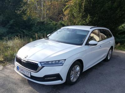 Prenájom vozidla Škoda Octavia IV